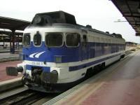 """Locomotora Talgo 354-006, """"Virgen de Aránzazu"""" apartada en Madrid Chamartín"""