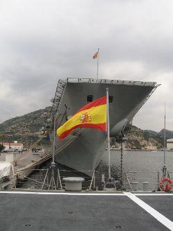 Proa del Portaaviones Príncipe de Asturias en Tapon 07